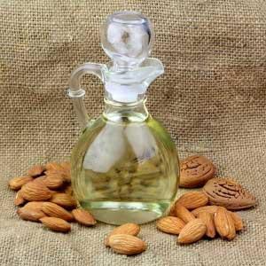 Чем полезно миндальное масло для кожи лица?